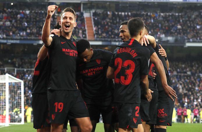 Luuk de Jong viert zijn gelijkmaker in de uitwedstrijd tegen Real Madrid.