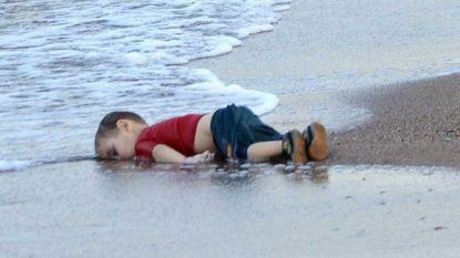 """Tante verdronken peuter Alan vertelt hoe zij het gezin de zee op dreef: """"Ik wilde alleen maar helpen"""""""