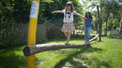 Kunstenaar bouwt poëtische tipi in Vrijbroekpark