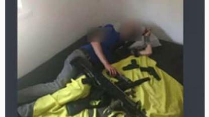Lid van Schild & Vrienden met vuurwapens in beeld, maar blijft op lijst Vlaams Belang