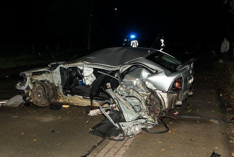 Van de Opel Astra bleef alleen nog schroot over.