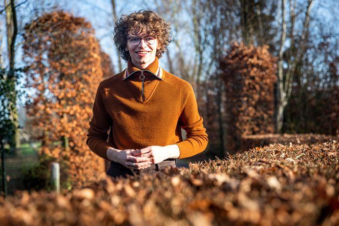 Teun Toebes uit  Best kreeg een cheque van 5000 euro voor zijn stichting  sTeun en Toeverlaat voor mensen die aan dementie lijden.
