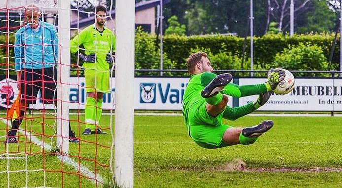 Wessel Knapen stopte de beslissende strafschop tegen Belfeldia.