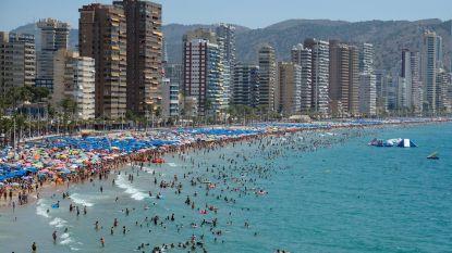 """Britse (81) beleeft 'rampzalige' vakantie in Spanje: """"Te veel Spanjaarden"""""""