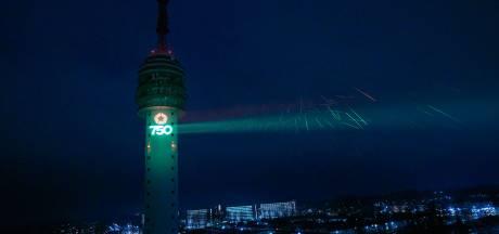 Licht op de televisietoren van Roosendaal