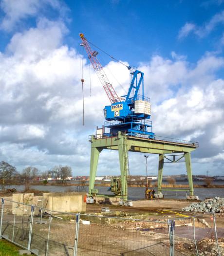Eenzaam monument herinnert aan eeuw van scheepssloperijen