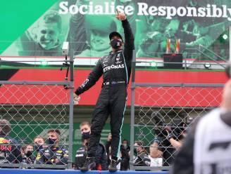 """Hamilton wint in Portimão 92ste GP na chaotische openingsfase en breekt legendarisch record Schumacher: """"Het is ongelooflijk"""""""
