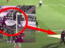 VIDEO: Speler aangeklaagd na forse duw bij ballenjongen