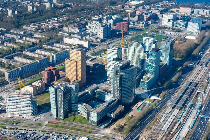 Luchtfoto van de Amsterdamse Zuidas, de plek waar ook het nieuwe EMA-kantoor moet komen.