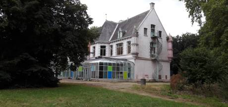 Te koop: Roze kasteel van Ooit verliest pretparkkleur en staat in 2019 in de etalage