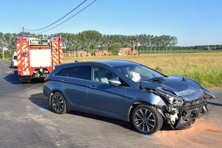 Ook de Hyundai van de man uit Torhout raakte zwaar beschadigd bij de botsing.