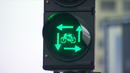 Nieuwe wegcode gaat volgende week in: dankzij 'vierkant groen' mogen alle fietsers en voetgangers tegelijk oversteken
