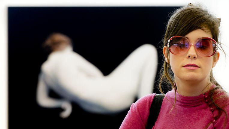Kunstenares Tinkebell, ofwel Katinka Simonse, tijdens Art Rotterdam (2014). Beeld anp