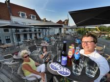 Eeuwenoud terras op Wijkse walmuur in handen van 23-jarige