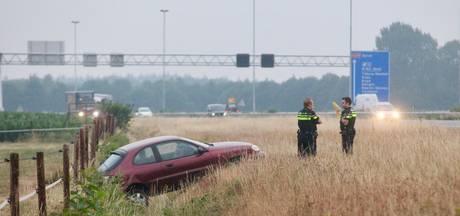Bestuurder belandt met auto in sloot bij A58 in Gilze
