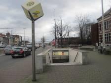 """Man gewond na steekpartij aan metrostation Schijnpoort: """"Dader wordt gezocht"""""""