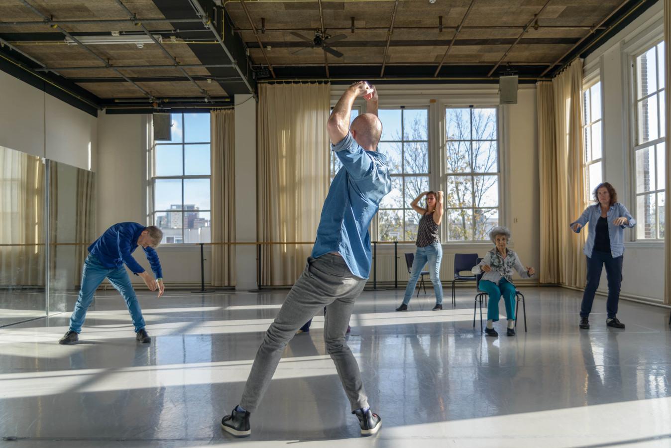Dance for Health zet mensen letterlijk en figuurlijk in beweging.