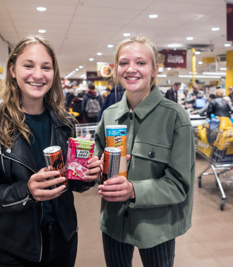 Lunchpauze is spitsuur bij supermarkt: Jongeren elke dag in galop richting junkfood