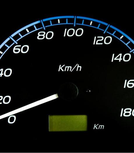 14-jarige rijdt Mercedes van vader total loss in Duitsland