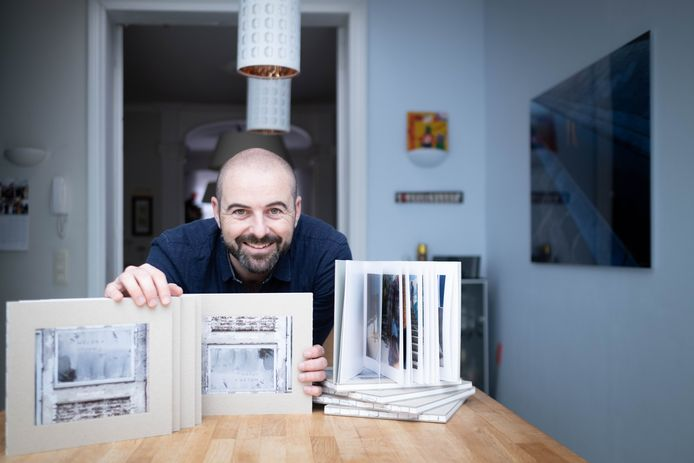 Fotograaf David Legrève presenteert zijn eerste fotoboek 'Weldra Opening' met een tentoonstelling in Het Predikheren.