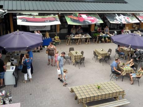 Voor het tweede jaar op rij gooit hitte roet in het 'verse' eten van de Boerenmarkt in Luttenberg