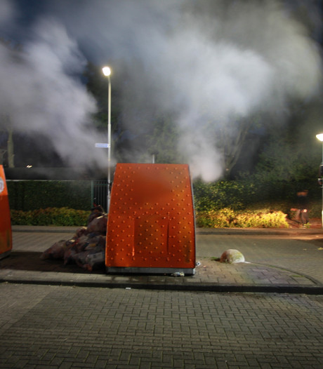 Brand in container voor plastic in Tiel