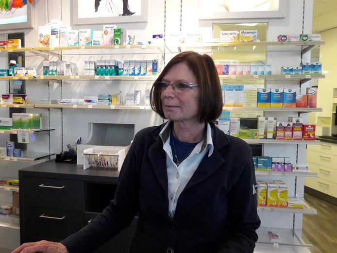 Nel Langen werkt 40 jaar bij de apotheek.