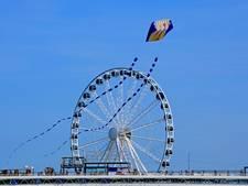 Lucht vol vliegers op Schevenings strand
