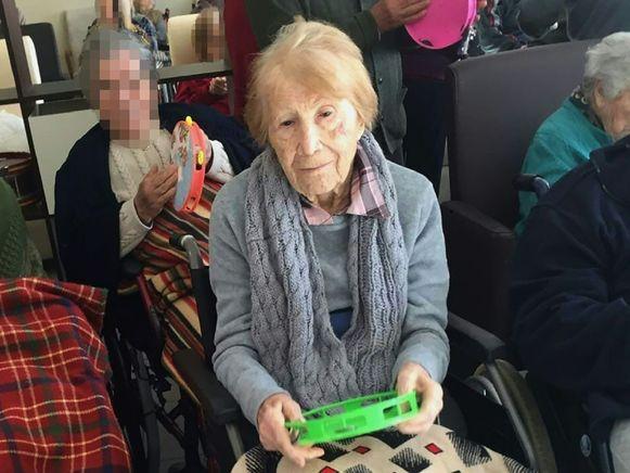 De Duitse Maria Babes op de ochtend van haar overlijden. Via deze vrouw kwam de politie twee verdachten op het spoor en konden ze een andere oudere Nederlandse vrouw en Duitse man bevrijden.