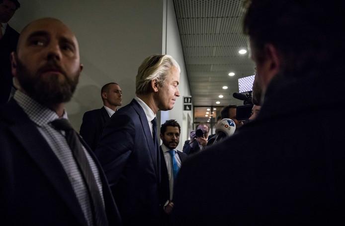PVV-leider Geert Wilders arriveert in de Tweede Kamer