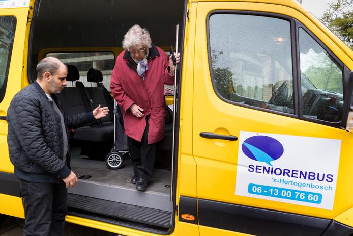 90 ritten per dag maken de vrijwilligers in de gemeente Den Bosch tegenwoordig.