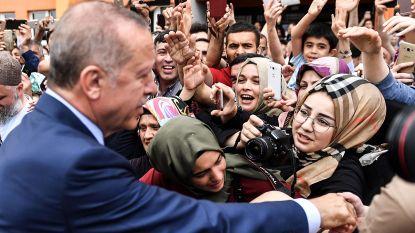 Twaalf Turken aangehouden wegens beledigen Erdogan