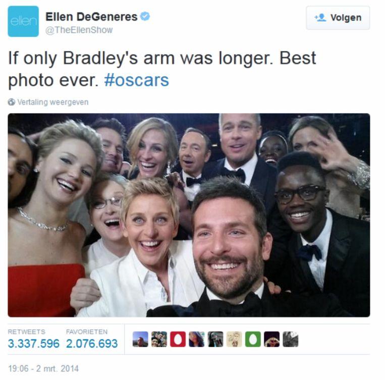 Selfie met allerlei bekende acteurs, zoals Brad Pitt, Jennifer Lawrence, Bradley Cooper en Meryl Streep. De selfie werd gemaakt door Cooper, maar getweet door Ellen DeGeneres. Beeld Twitter @TheEllenShow