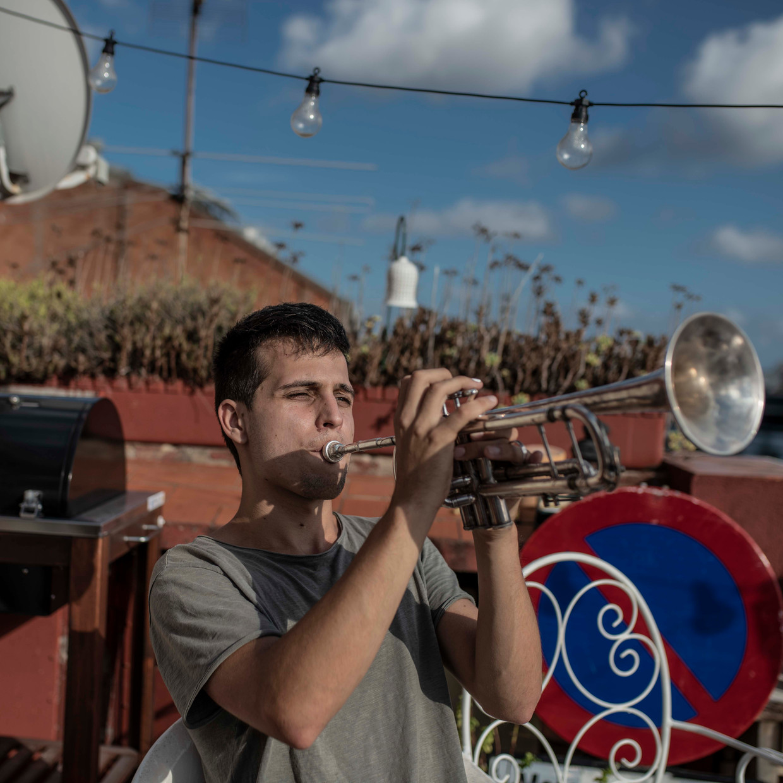 Klaus Stroink: 'Als musici konden we alleen thuisblijven en de situatie niet erger maken. Voor ons was het logisch om dan muziek te gaan maken.' Beeld Maria Contreras Coll