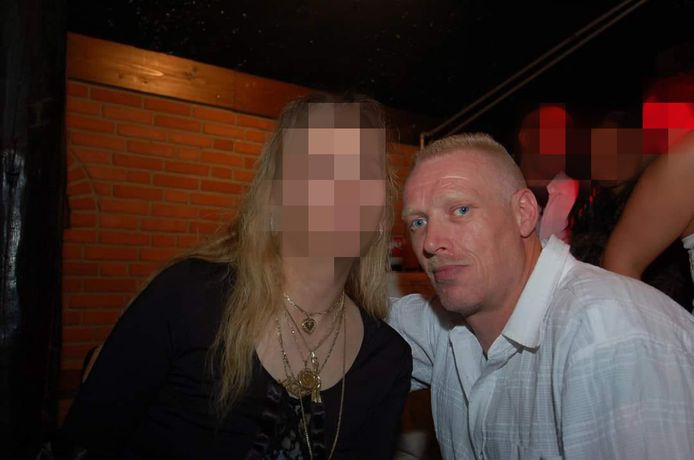 Mike Goedhart (50) en 'rouwende weduwe' Truitje R. (51) uit Cothen.