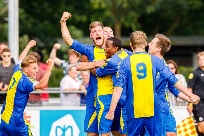 Olde Veste, met doelpuntenmaker Gerard Kloeten, blijft de enige regionale ploeg in de noordelijke eerste klasse E.