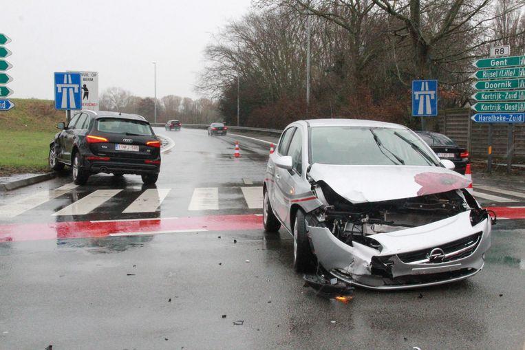 Er vielen twee gewonden bij een botsing op de Ringlaan.