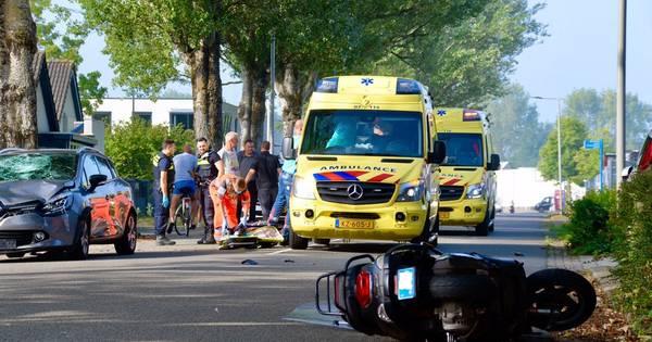 Bestuurder van snorscooter ernstig gewond bij ongeluk in Arnhem.