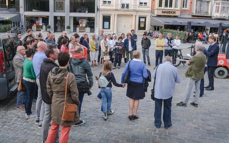 Er was veel belangstelling voor de opening van de foto-expo, dinsdagavond.