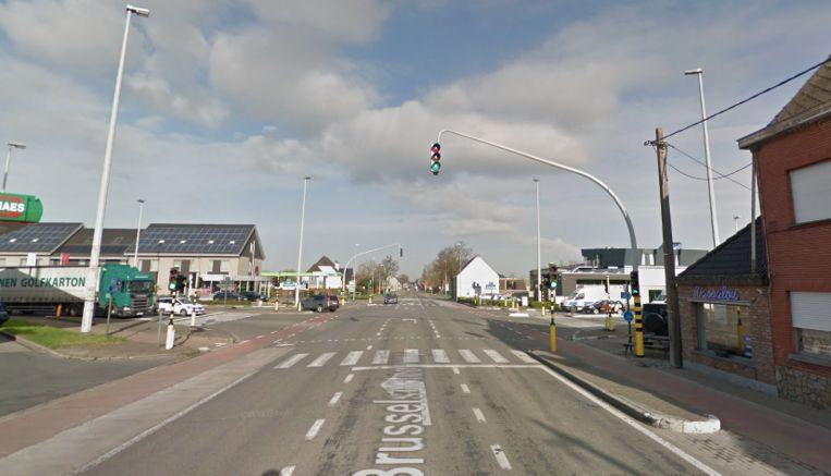 Het ongeval vond plaats op de kruising van de Zuidlaan met de Brusselsesteenweg in Wetteren.