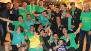Na 27 jaar opnieuw kampioenenpret bij geel-groen  voetbalteam