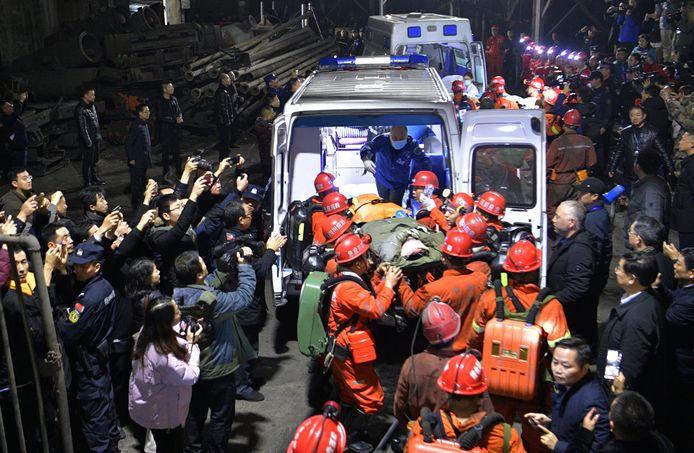 In 2019 overstroomde een mijn in Yibin. Diverse mijnwerkers konden gered worden.