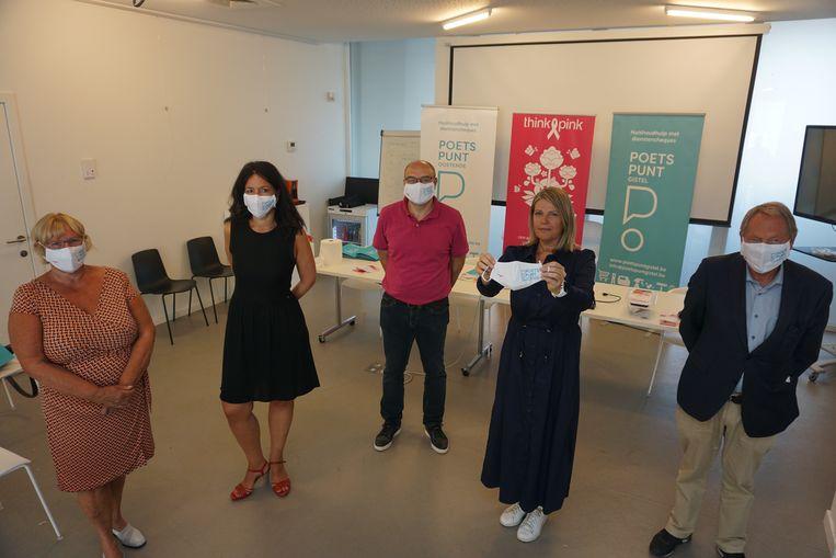 Het bestuur van Poetspunt Oostende/Gistel gaat een intensieve samenwerking aan met de vzw Think Pink.