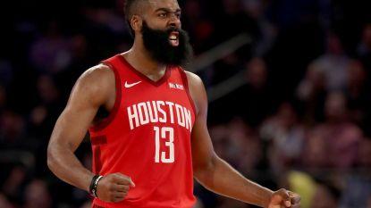 VIDEO. James Harden zet recordscore neer bij Rockets en gaat NBA-legende Wilt Chamberlain achterna