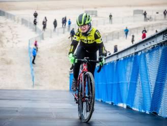 IN BEELD: jonge renners mogen parcours WK veldrijden verkennen