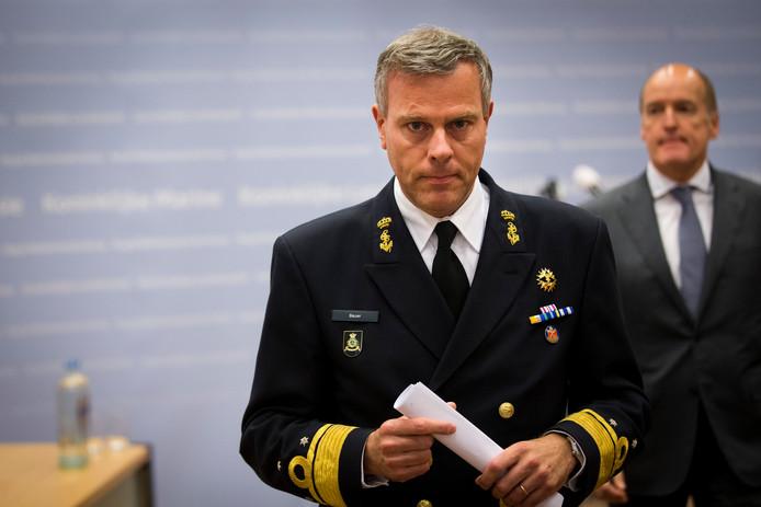 Rob Bauer tijdens de persconferentie op het ministerie van Defensie.