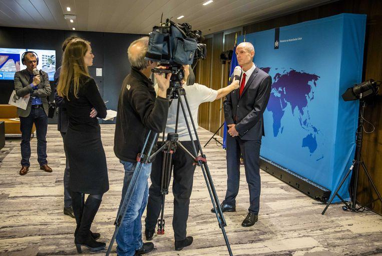 Minister Stef Blok (Buitenlandse Zaken) verklaart dat Iran waarschijnlijk achter twee moorden zat die in 2015 en 2017 op Nederlands grondgebied werden gepleegd. De moorden zijn deels de reden voor de sancties die de Europese Unie instelde tegen twee Iraanse personen en de Iraanse militaire inlichtingendienst. Beeld ANP