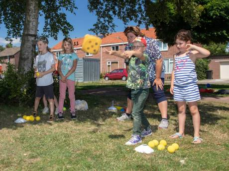 De 3 J's helpen Reimerswaalse kinderen de vakantie door