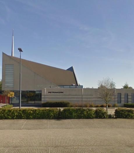 Kerk Kapelle blijft vluchtelingen helpen, geen aanhoudingen in Duitsland na terreuronderzoek