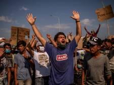 Griekse politie zet traangas in tegen vluchtelingen afgebrand kamp Moria